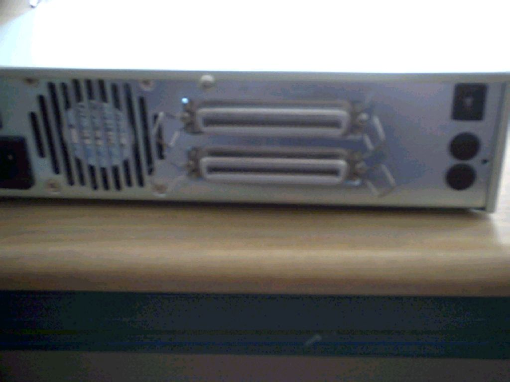 SCSI box to hold a 3,5 drive